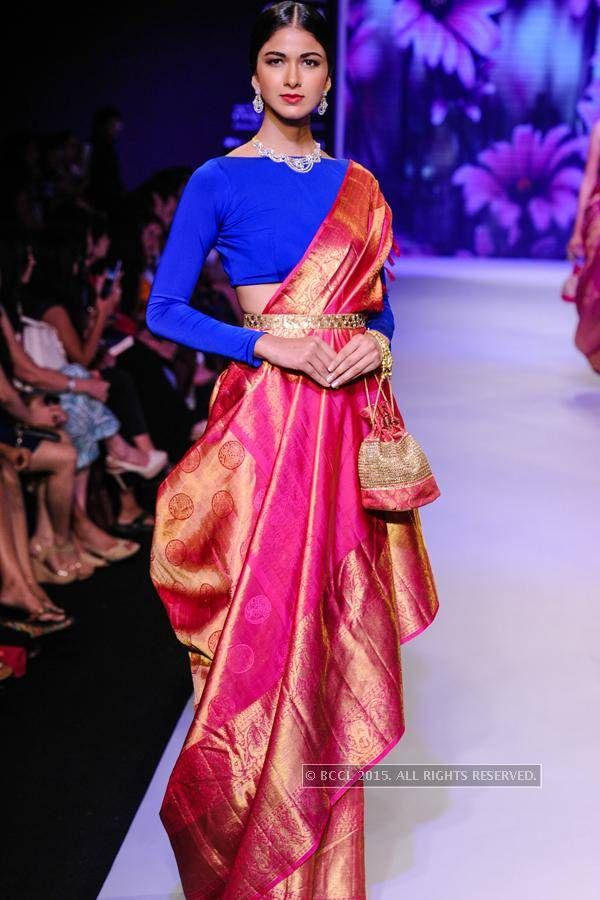 781eb362c8 model showcases creation by moni agarwal on day of india international  jewellery week iijw held at