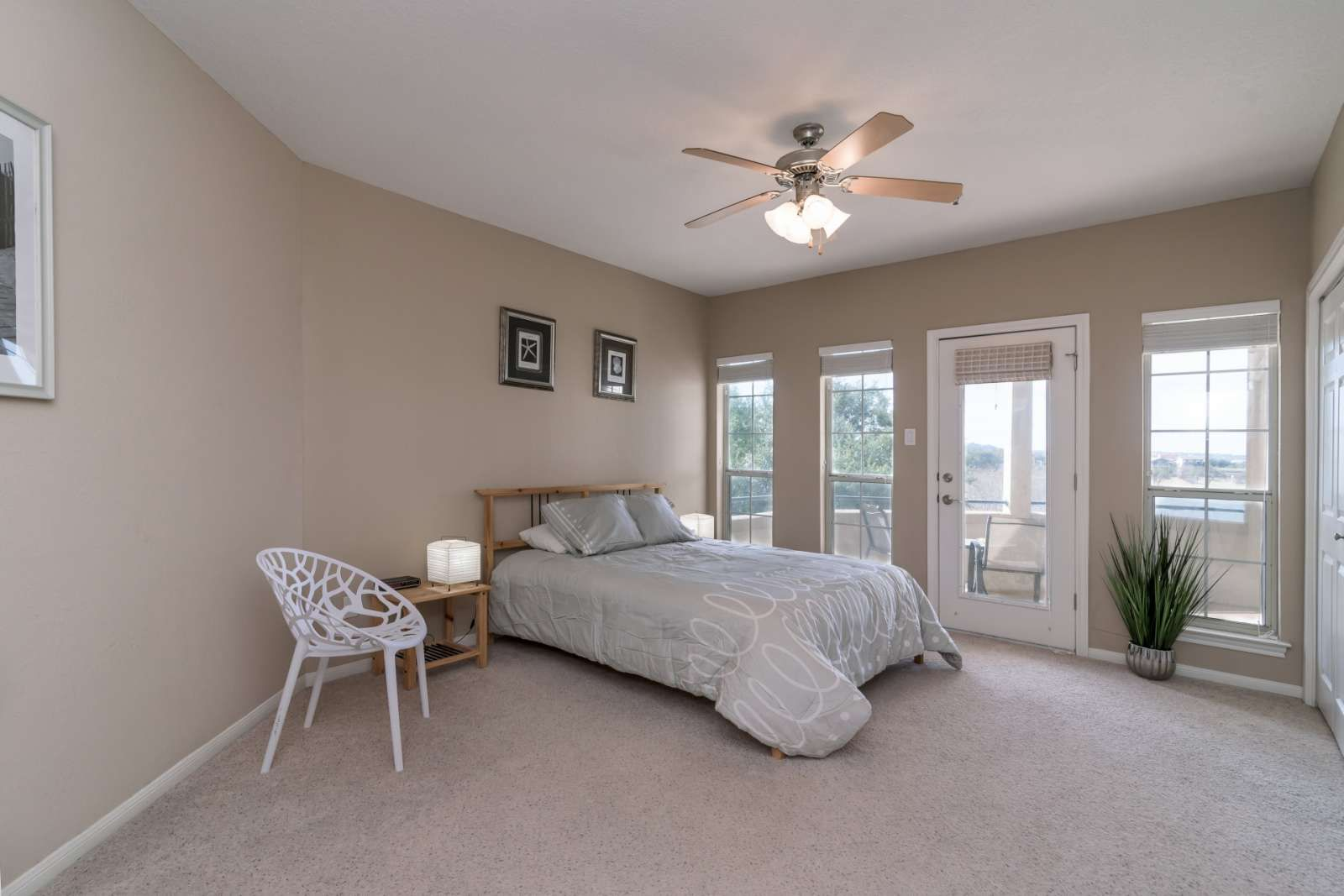 Lago Vista Vacation Rental New Listing Just In Time For Summer The Hideaway On The Island Huge Wrap Around Patio Lake Condos Condo Rental Vacation Rental