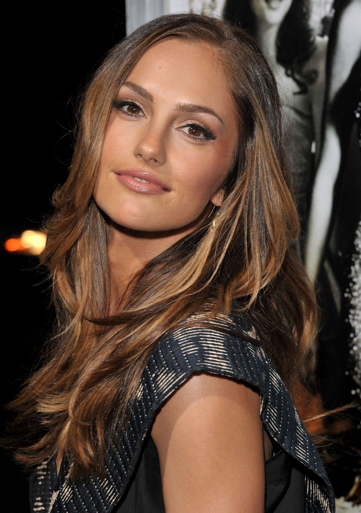 Kelly Minka hair color new pictures