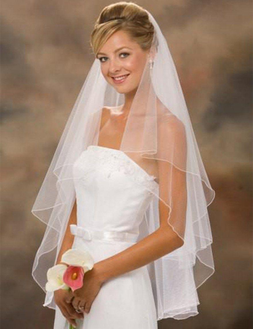 33 Beautiful Ivory Wedding Dress With White Veil Best Inspiration Wedding Dresses Veil Hairstyles Ivory Wedding Dress [ 1144 x 880 Pixel ]