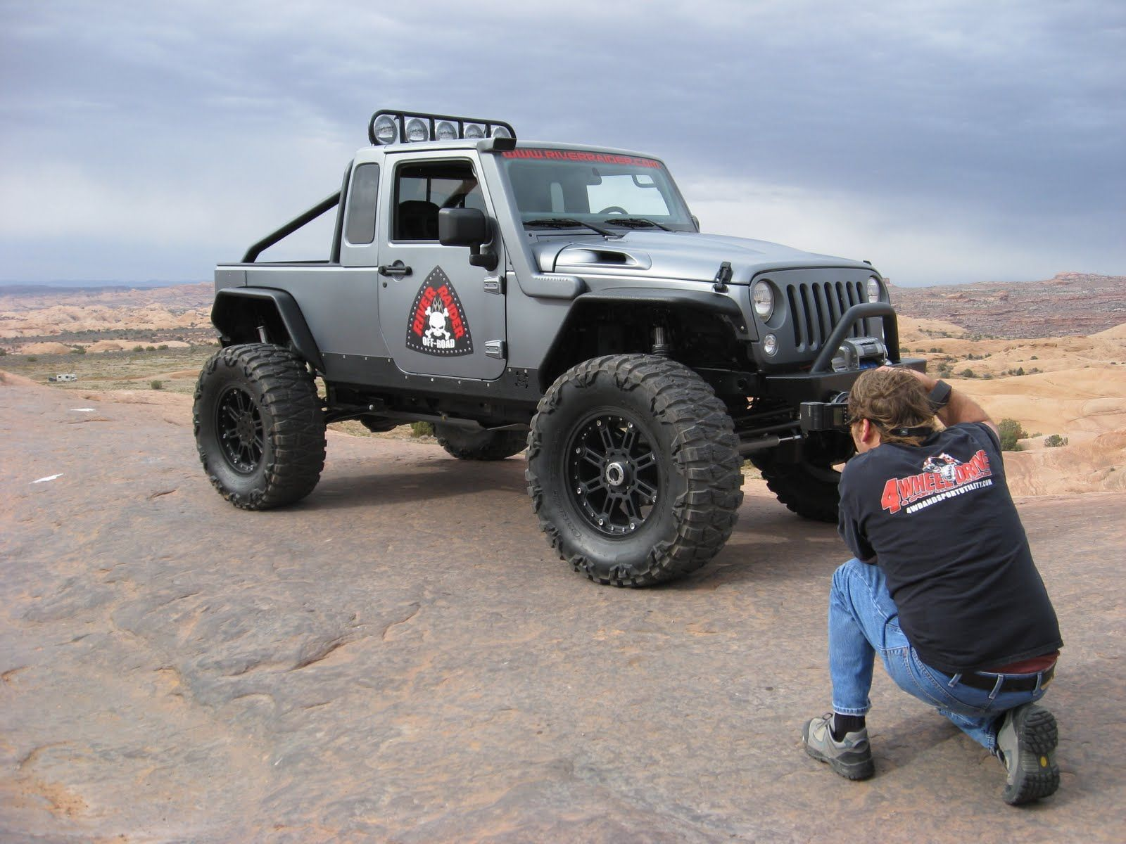 Jeep Wrangler with JK 8 top hit the road jack