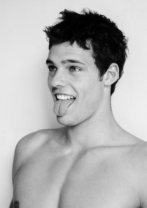 Holden Nowell The Gay Model In The Call Me Maybe Music Video But Straight In Real Life