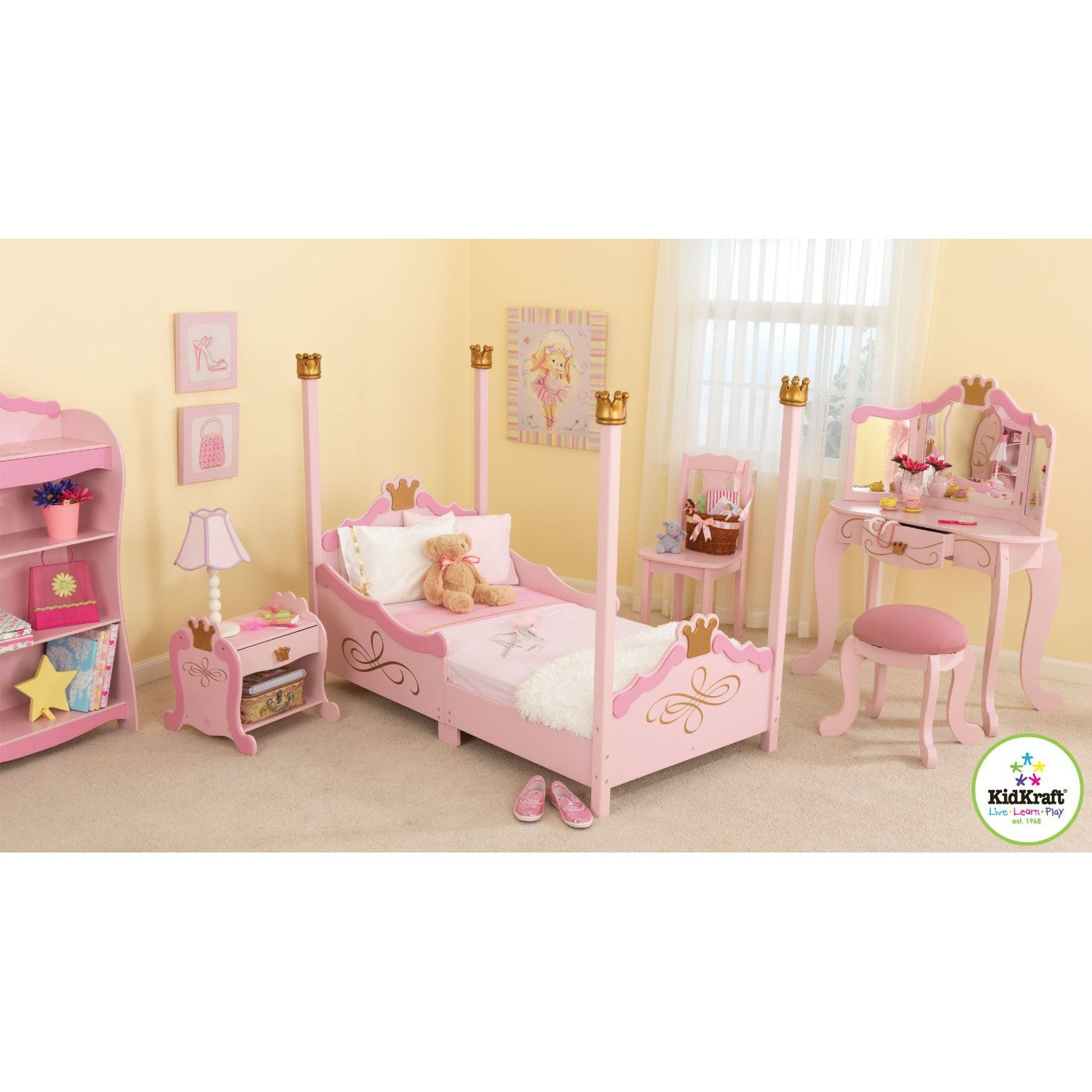 Going To Be Aubree S Whole Room Set Up I Love The Vanity Princess Toddler Bed Girls Bedroom Sets Princess Bedroom Set