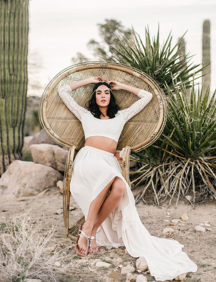 tendance robe du mari e 2017 2018 peacock chair bride. Black Bedroom Furniture Sets. Home Design Ideas