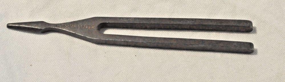 A Genuine METZLER & CO tuning fork. Markings are METZLER