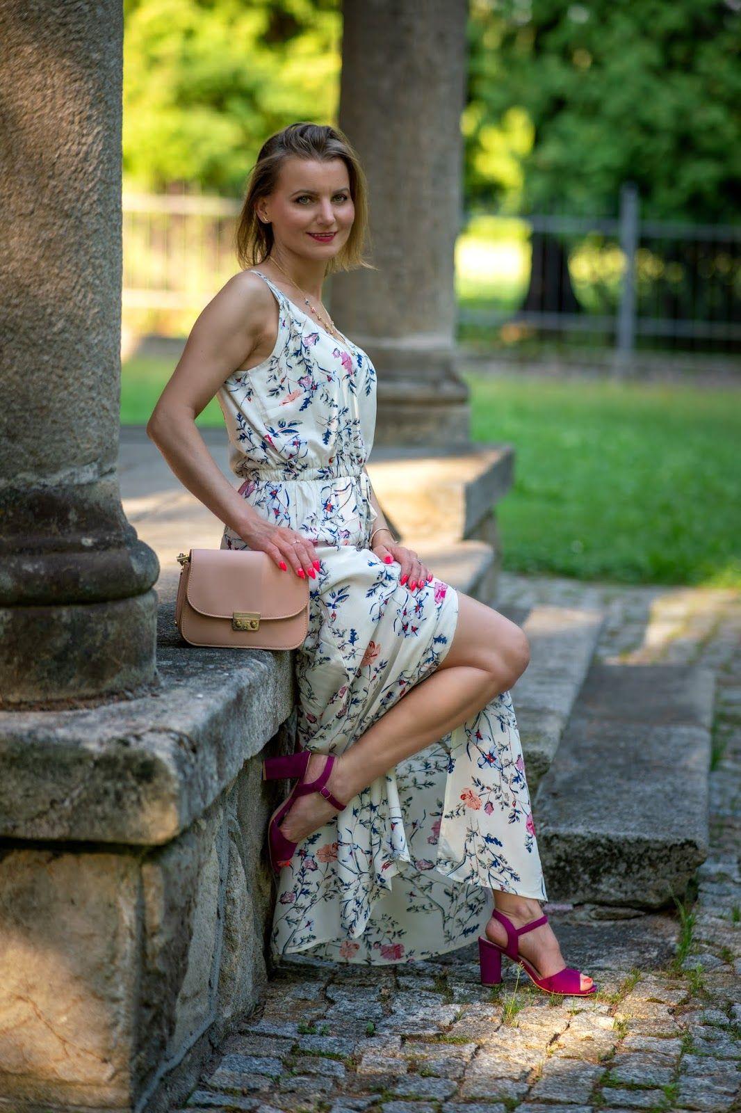 Sukienka Maxi W Kwiaty Idealny Look Na Lato Maxi Dress With Flowers Annastylefashion Dresses Maxi Dress Flower Dresses