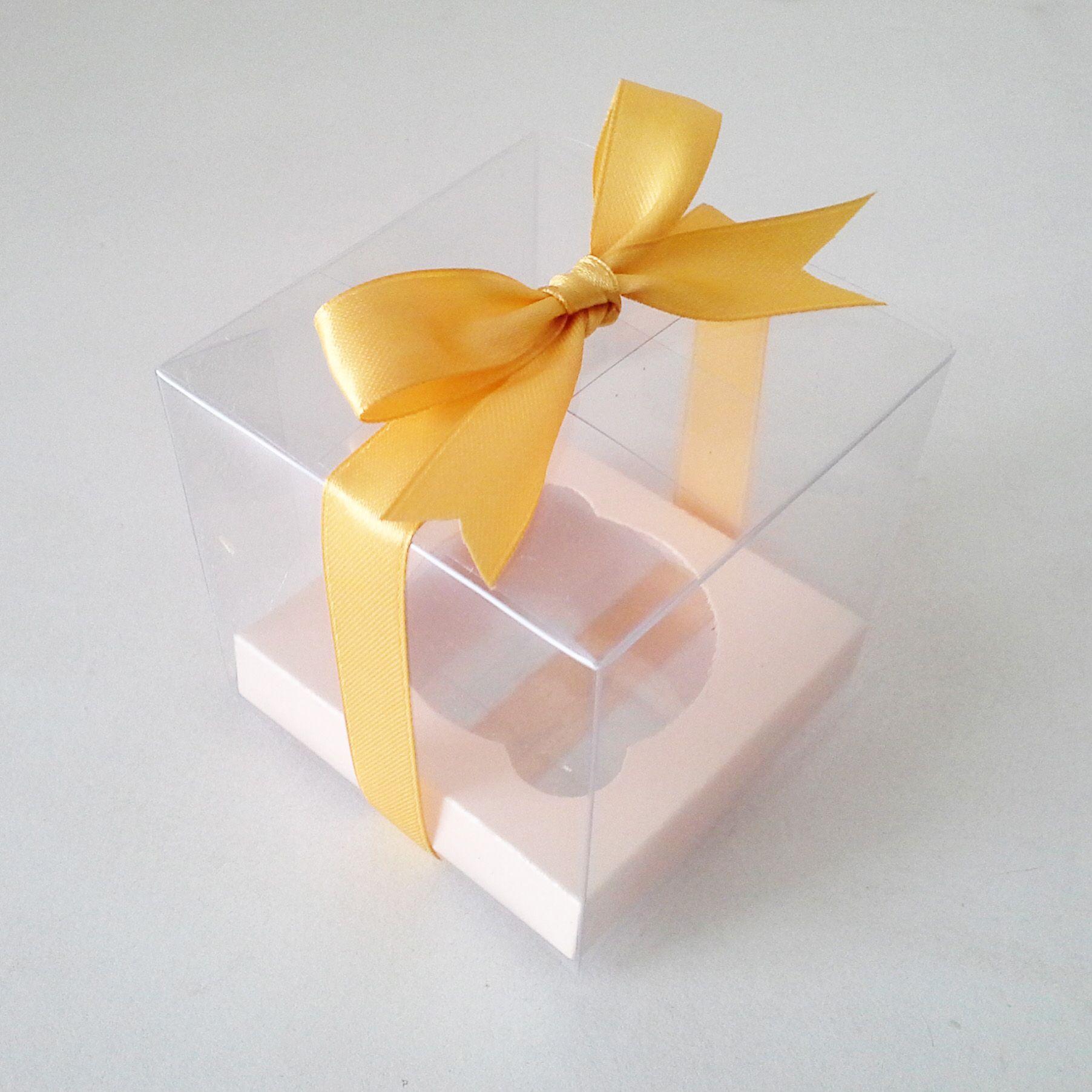 Caja de acetato individual para cupcake con moño amarillo y base ...