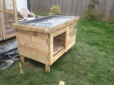 bauen sie ein kaninchenstall mit paletten diy pinterest kaninchenstall kaninchen und. Black Bedroom Furniture Sets. Home Design Ideas