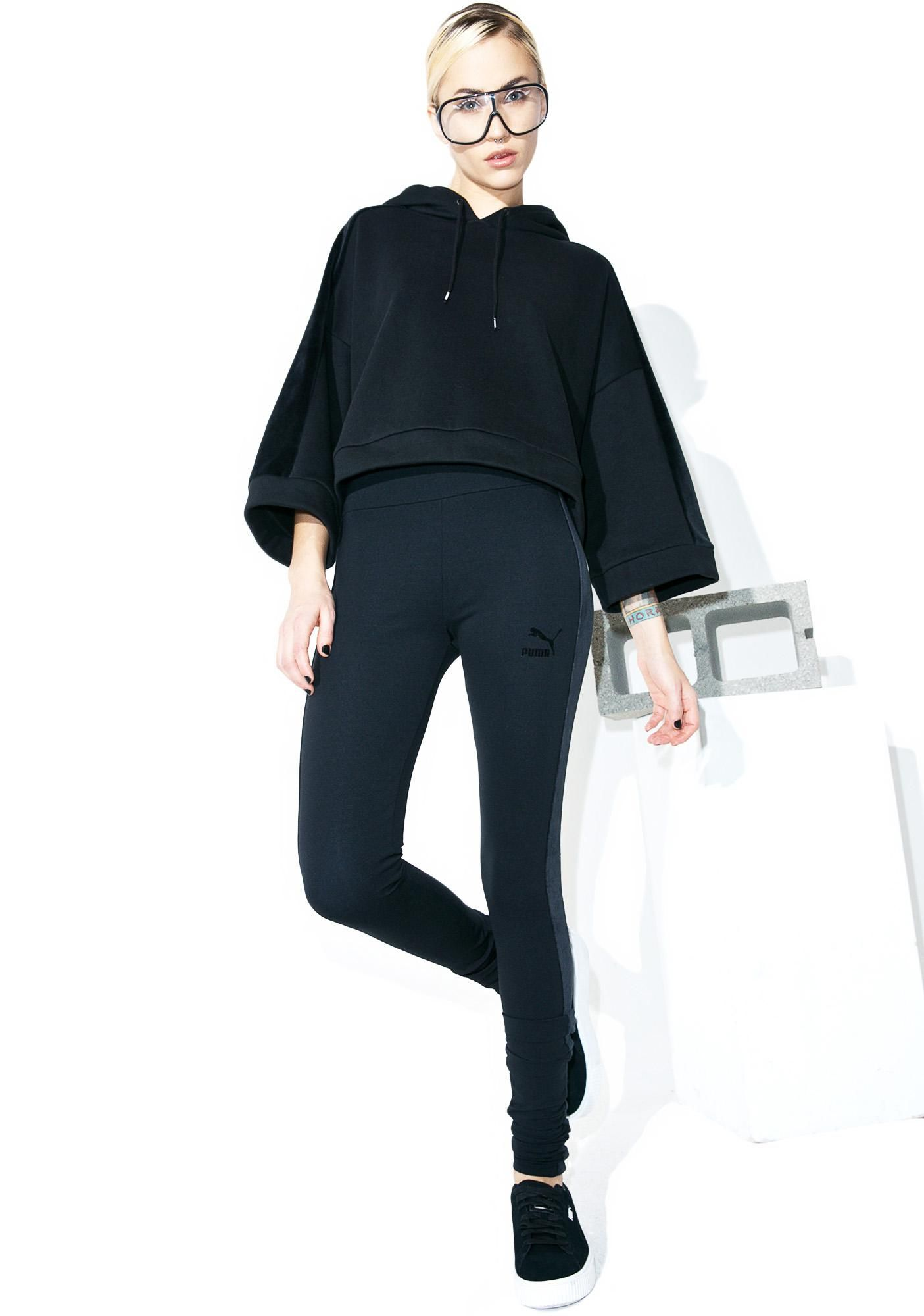 PUMA Xtreme Elongated Leggings stay ahead of the game, babe. These black leggings feature a curve-hugging fit, thick waistband, eXXXtra long legs, and a black velour stripe goin' down both legz.