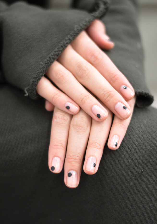 nyfw fall 2017 nails | FW18/19 GEISHA WARRIOR | Pinterest | Nail spot