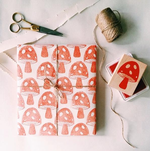 DIY papier cadeaux, champignons, emballages cadeaux