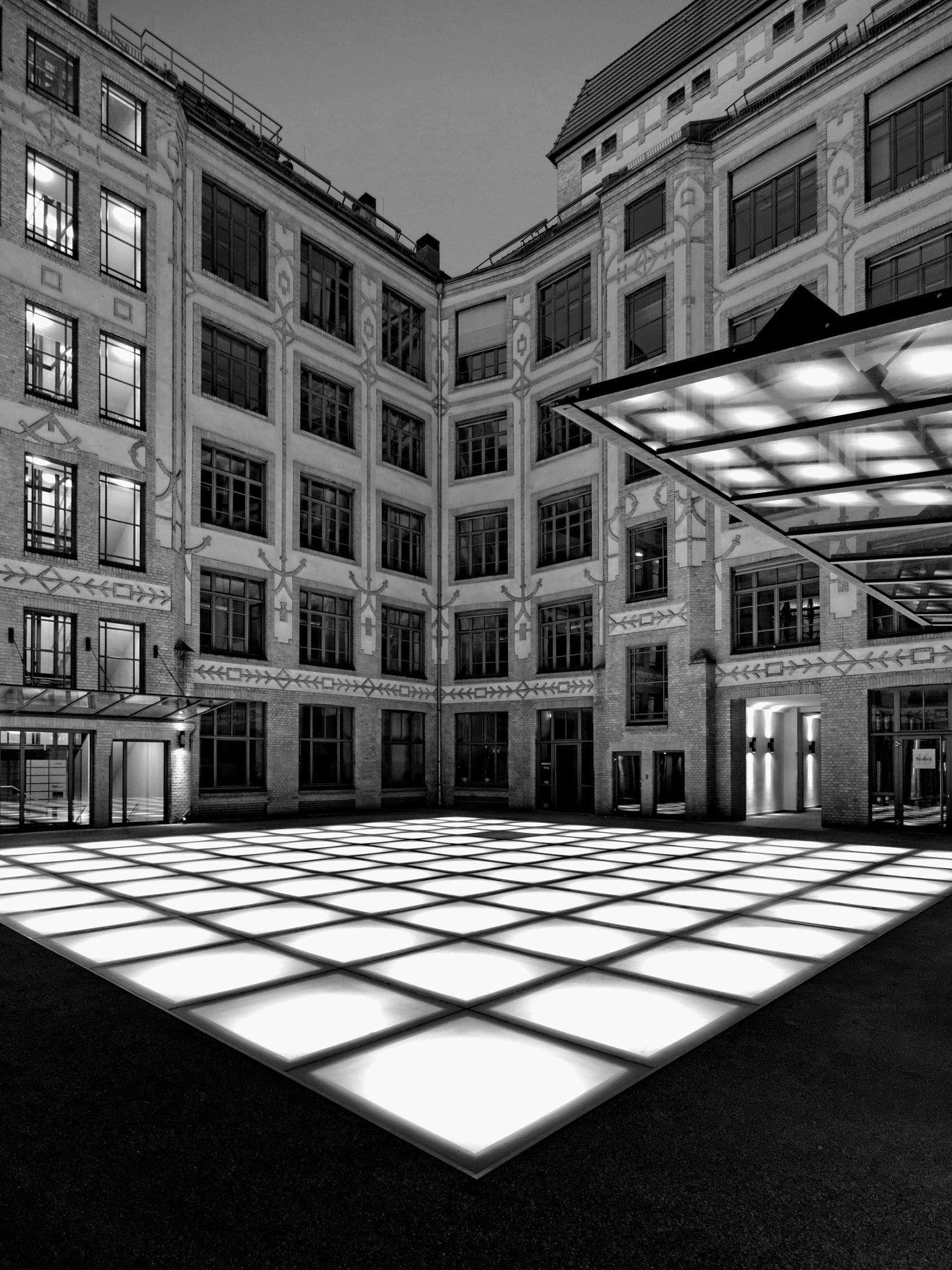 Hinterhof by Andreas Jeckstadt