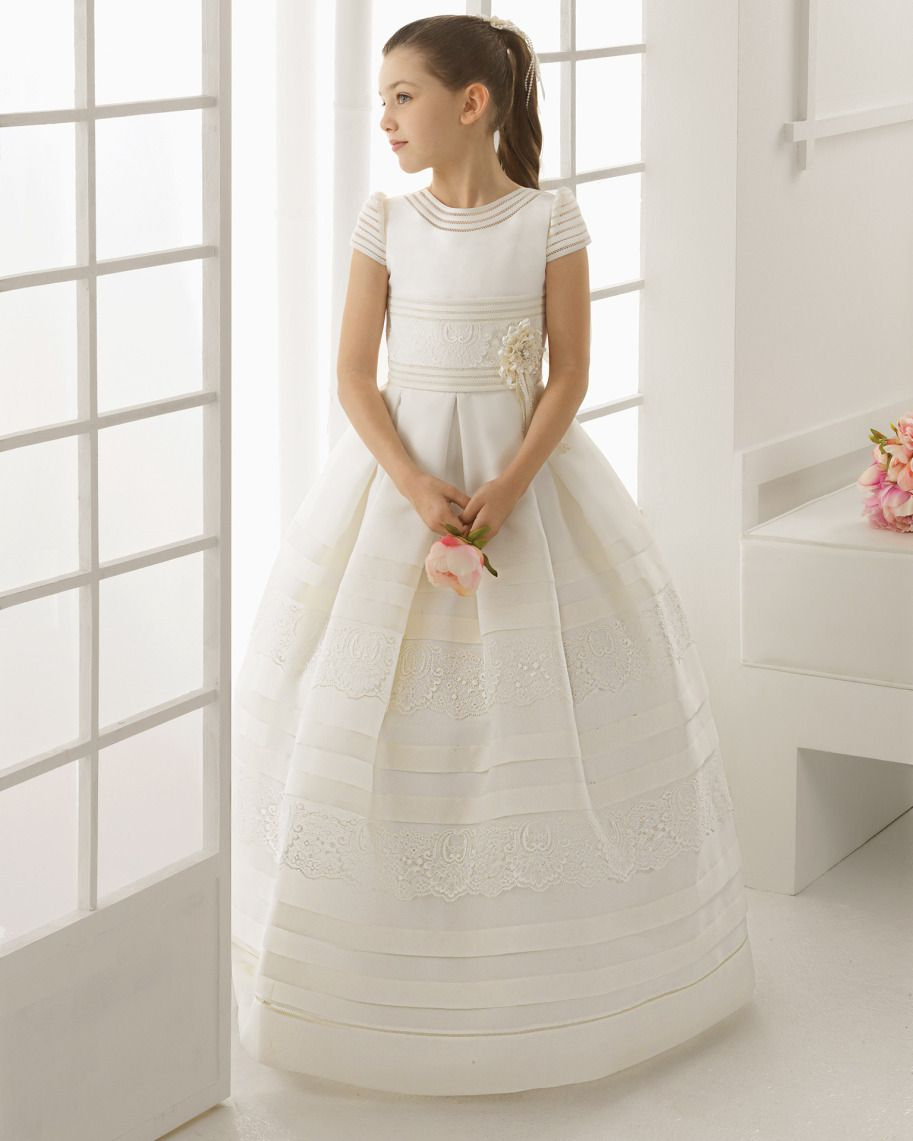 Beach wedding flower girl dresses  rosaclarag  Comunión  Pinterest  Communion dresses and Communion