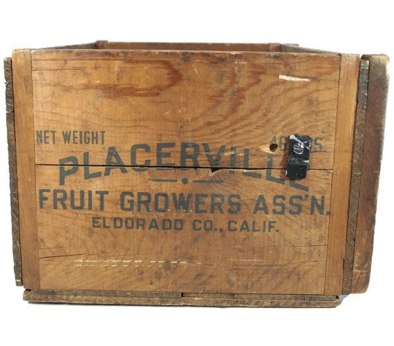 This Large Wooden Crate Was Used By The Placerville Fruit Growers Association Of El Dorado County California The Painted Gr Crates Placerville Wooden Boxes