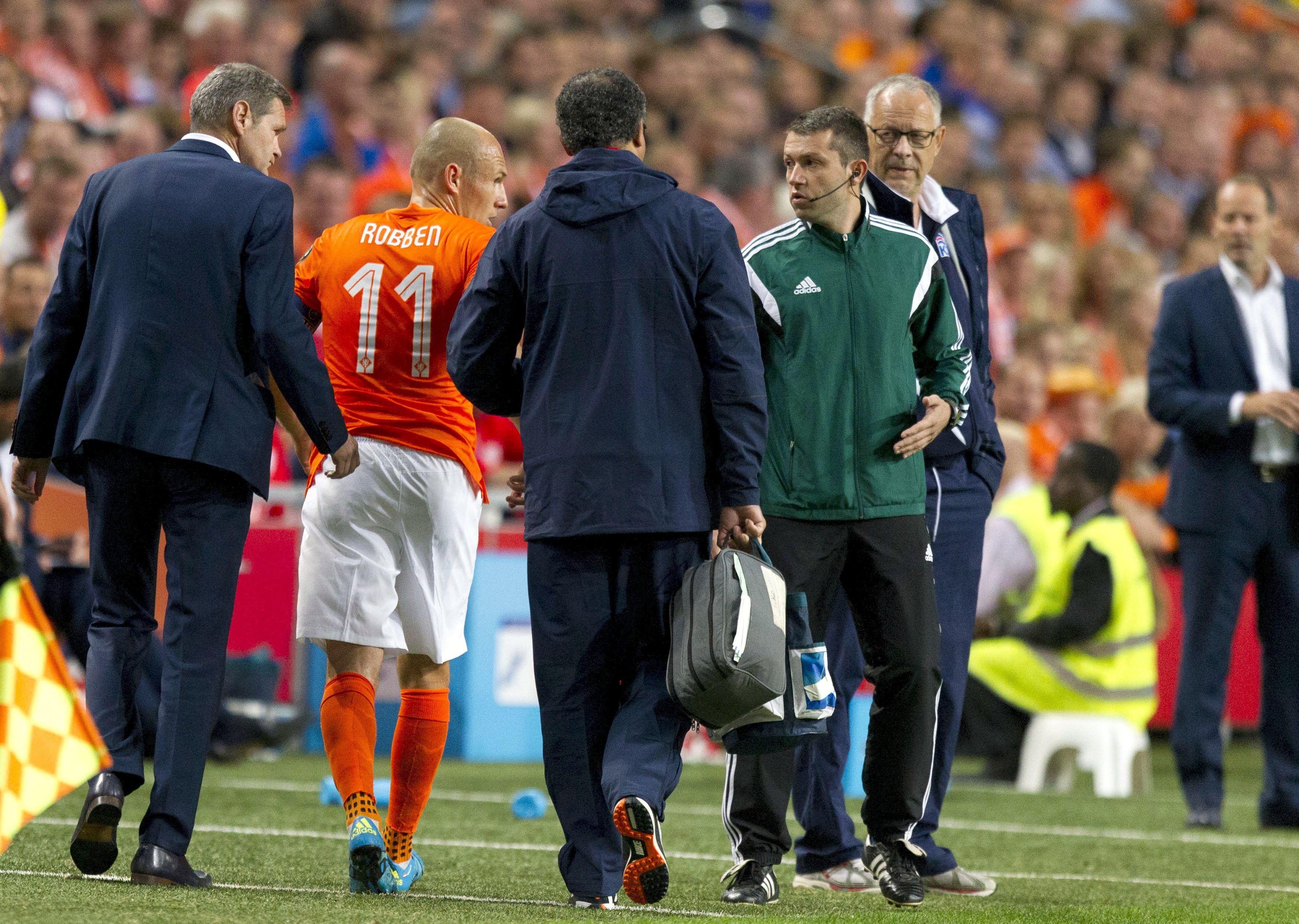 Problema para Holanda e Bayern: Robben para por quatro semanas #globoesporte