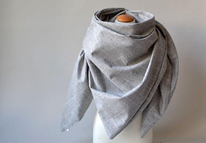 Dreieckstücher - Wolltuch Hellgrau  - ein Designerstück von majamien bei DaWanda