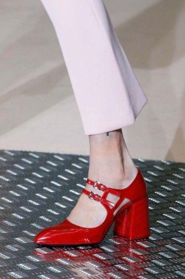 Colore Rosso Tendenza Autunno Inverno 2015 2016 Scarpe Rosse Prada Scarpe Rosse Scarpe Di Moda Scarpe