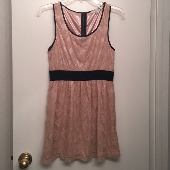 Blush Pink Lace Dress S Blush pink lace dress with black elastic band waist. Size small. forever 21. Zips up back. Great condition wore once for a school dance. Smoke free home. POOS Forever 21 Dresses Mini