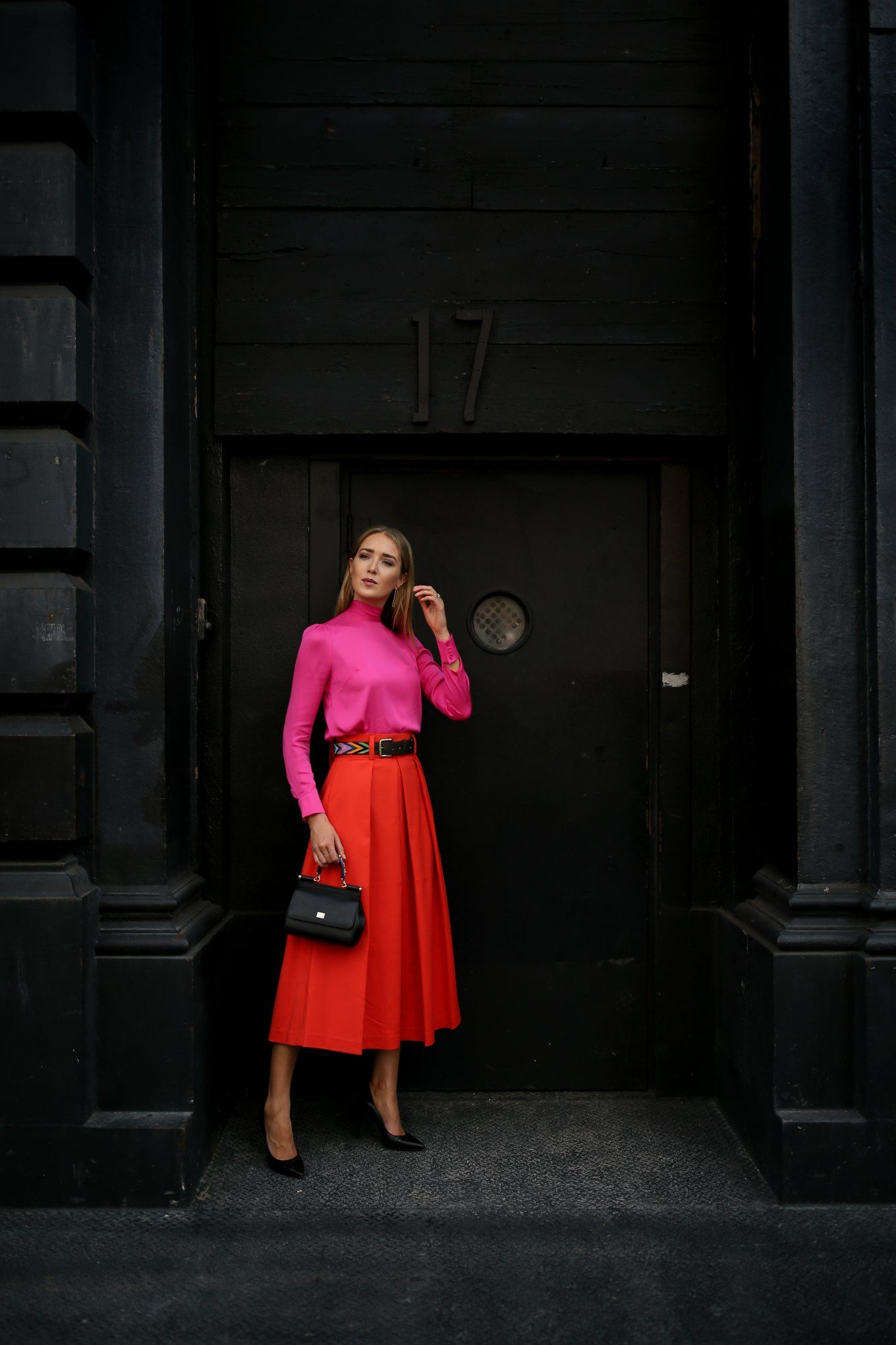 Nyc fashion blogger mary orton in milly fuchsia pink bowtie blouse
