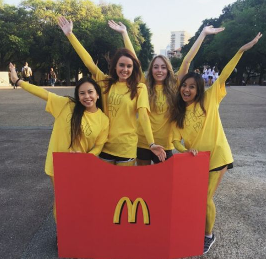 93+ Best DIY Halloween Group Costumes You Should Know #grouphalloweencostumes