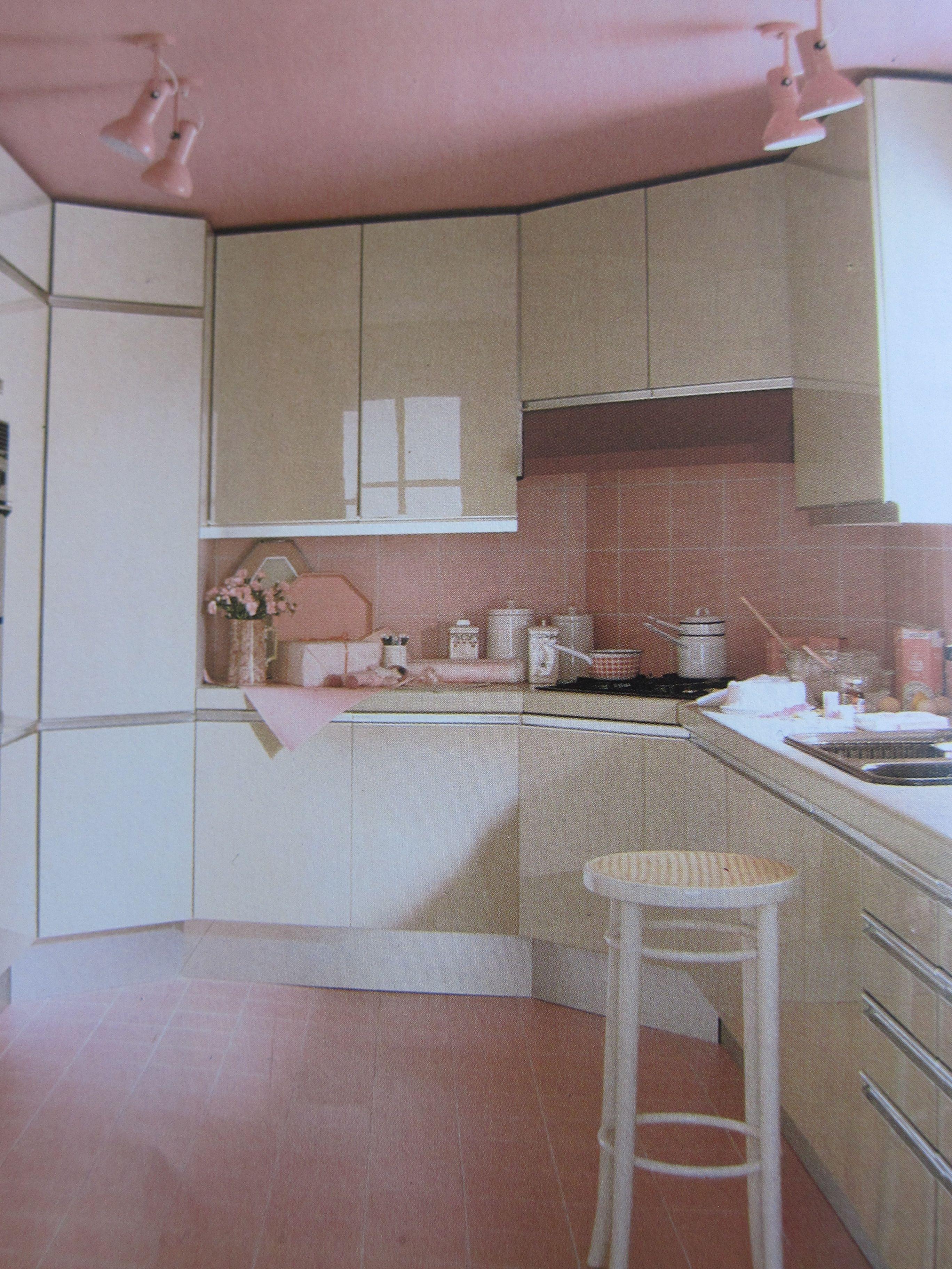 Weird Pink 80s Kitchen Interior Design Time Warp Pinterest