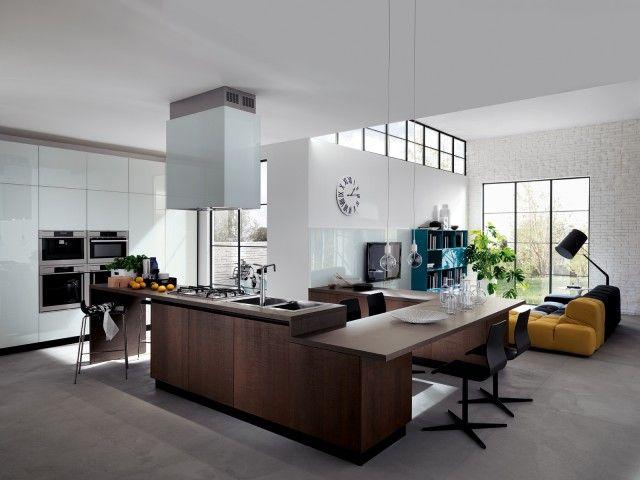 Ampia ed elegante composizione a sviluppo continuo per la cucina ...