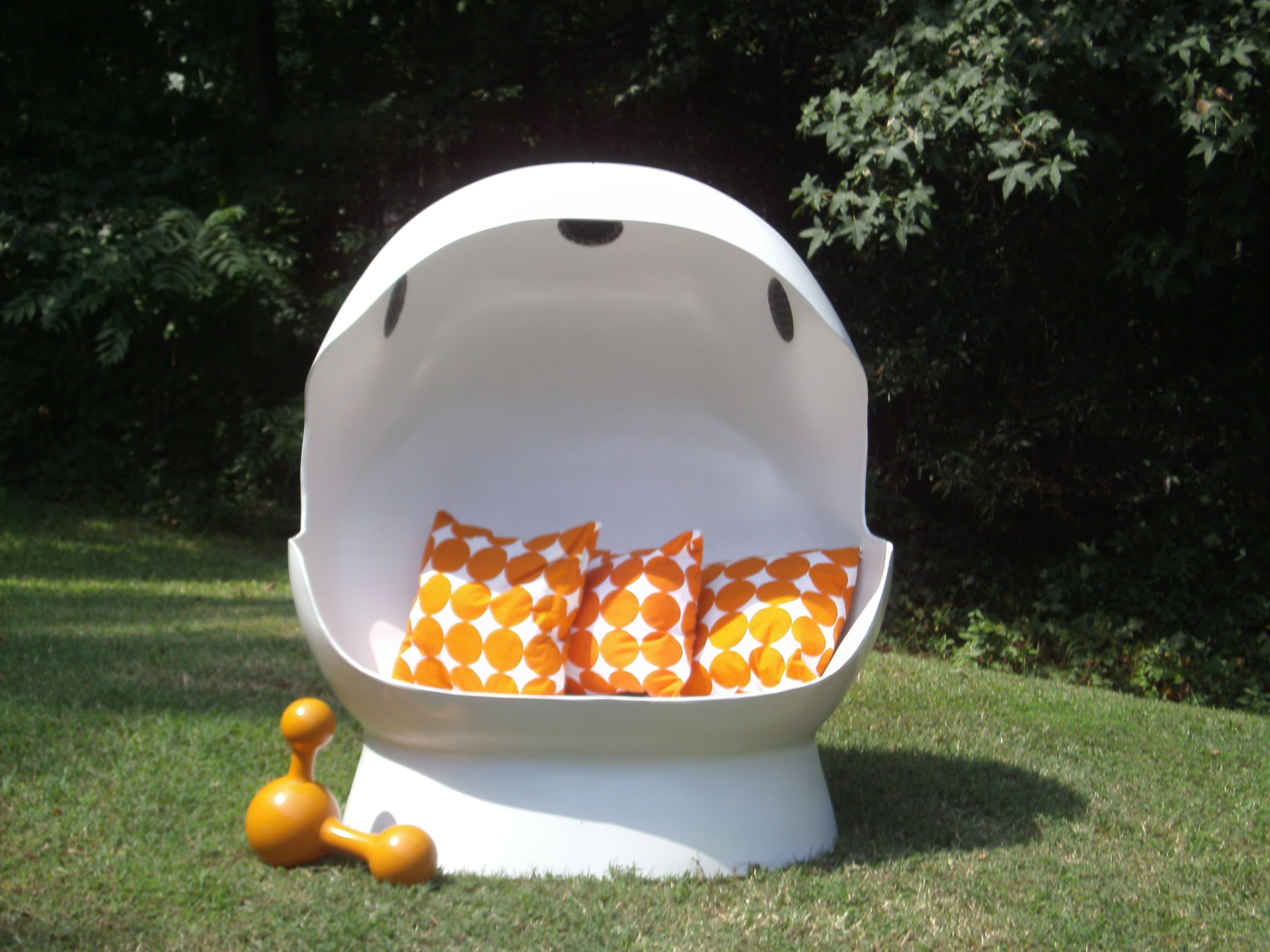Mid Century Egg Chair W/ Built In Speakers. Seats 2 Adults, Or 3 Giggly  Girls With An I Pod!