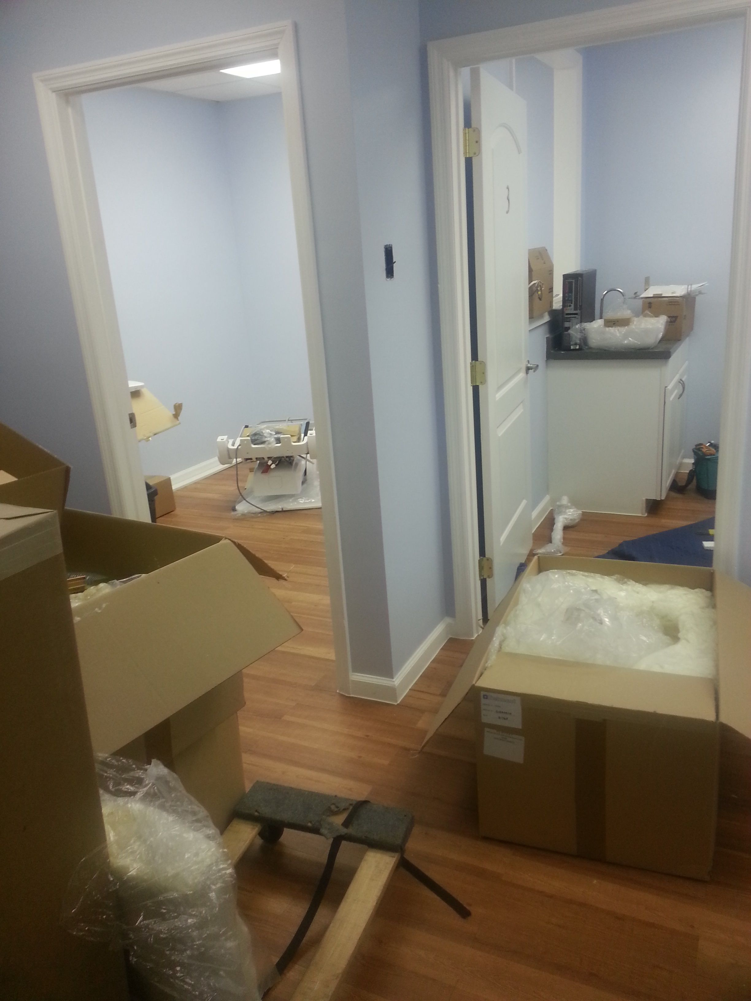 New Hygienist gear and room being setup at our Prima Vista location. Unboxing!