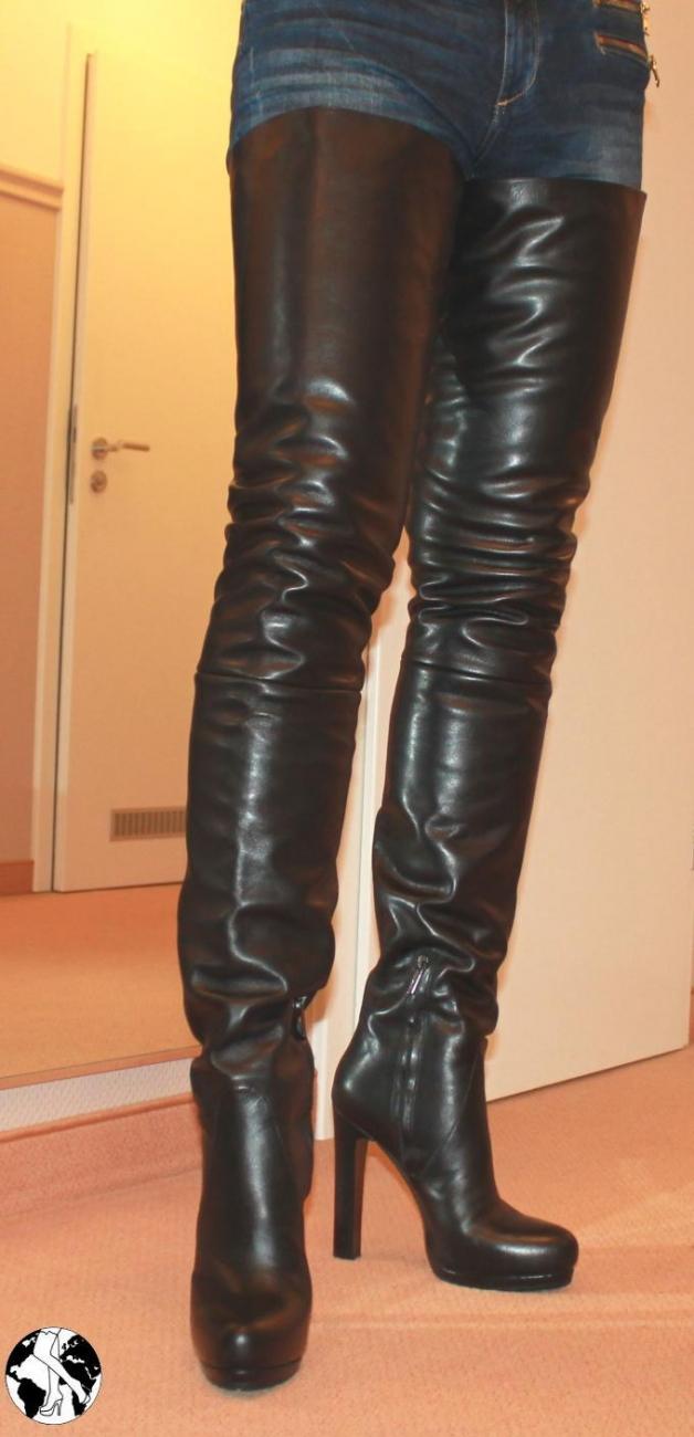 Lesbische Oberschenkel hohe Stiefel
