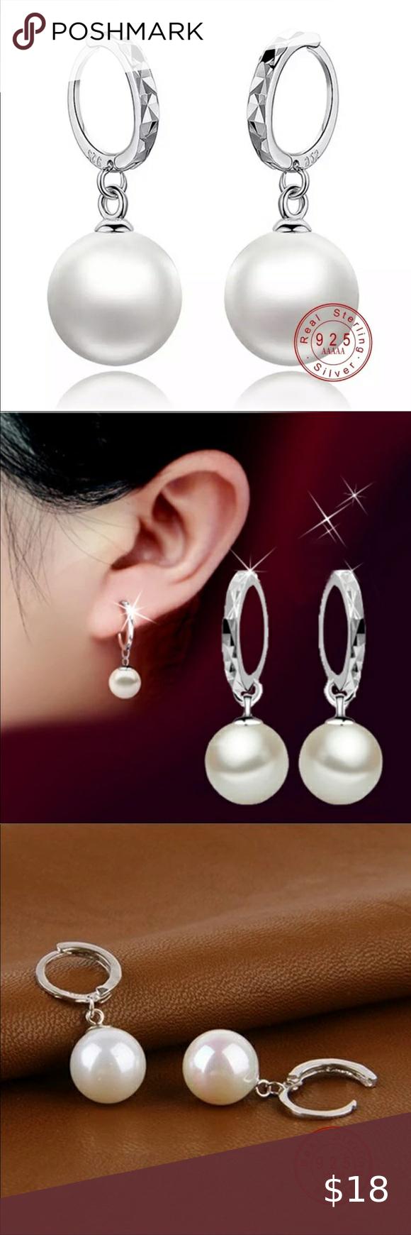 Photo of ?S925 stud earrings Elegant white pearl stud earrings. Stamp 925. Measure: 1 …