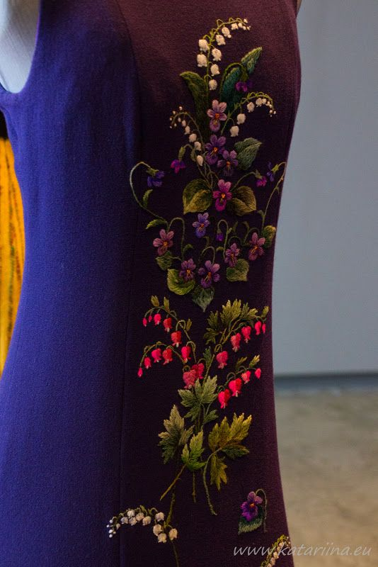Katariina kudugurmee: Flowers embroidery