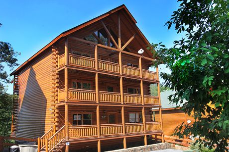 Majestic Mountain Pool Lodge | Eden Crest Vacation Rentals