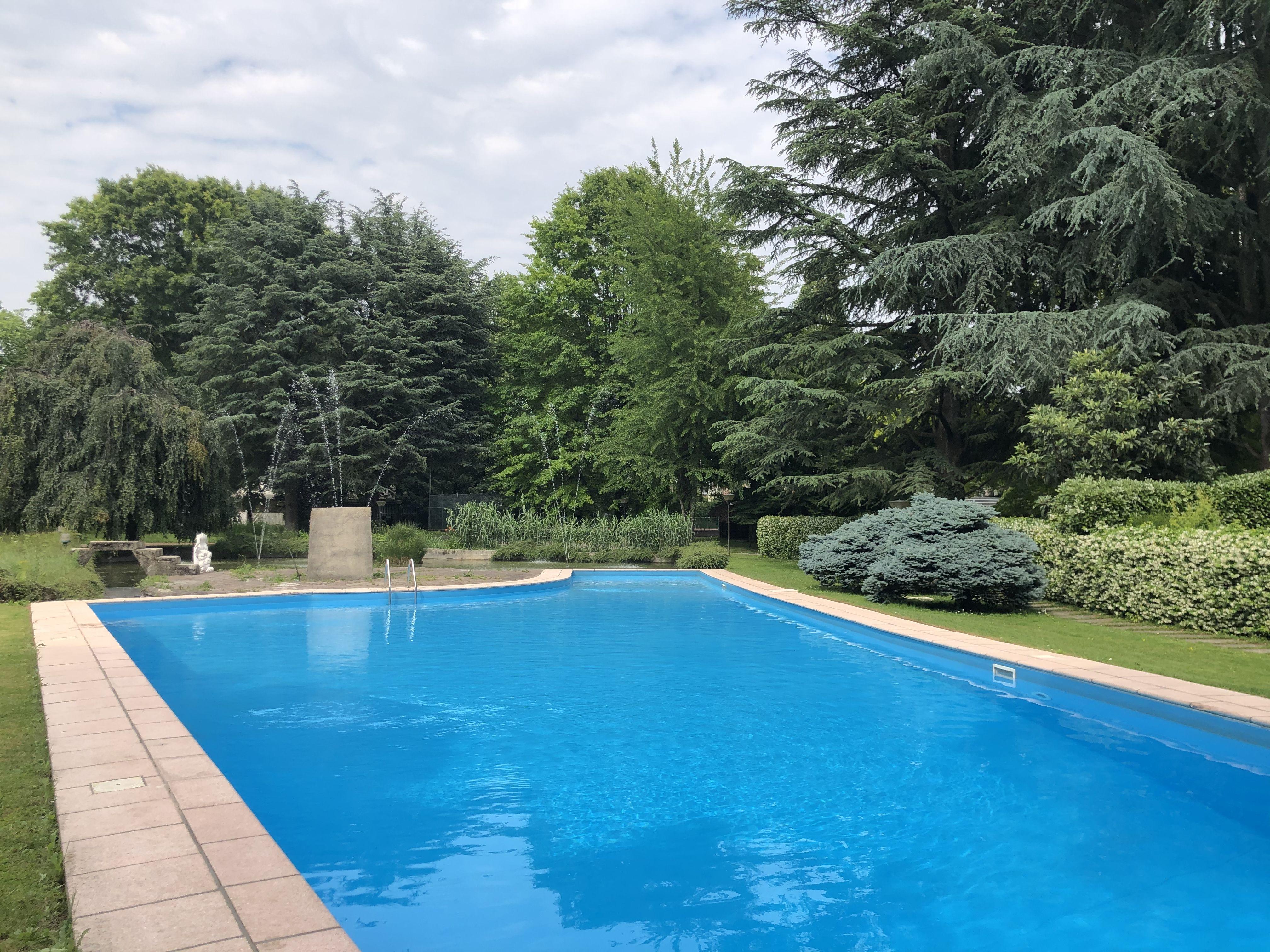 Villa con piscina in vendita a Agrate Brianza   CASA&STYLE ...