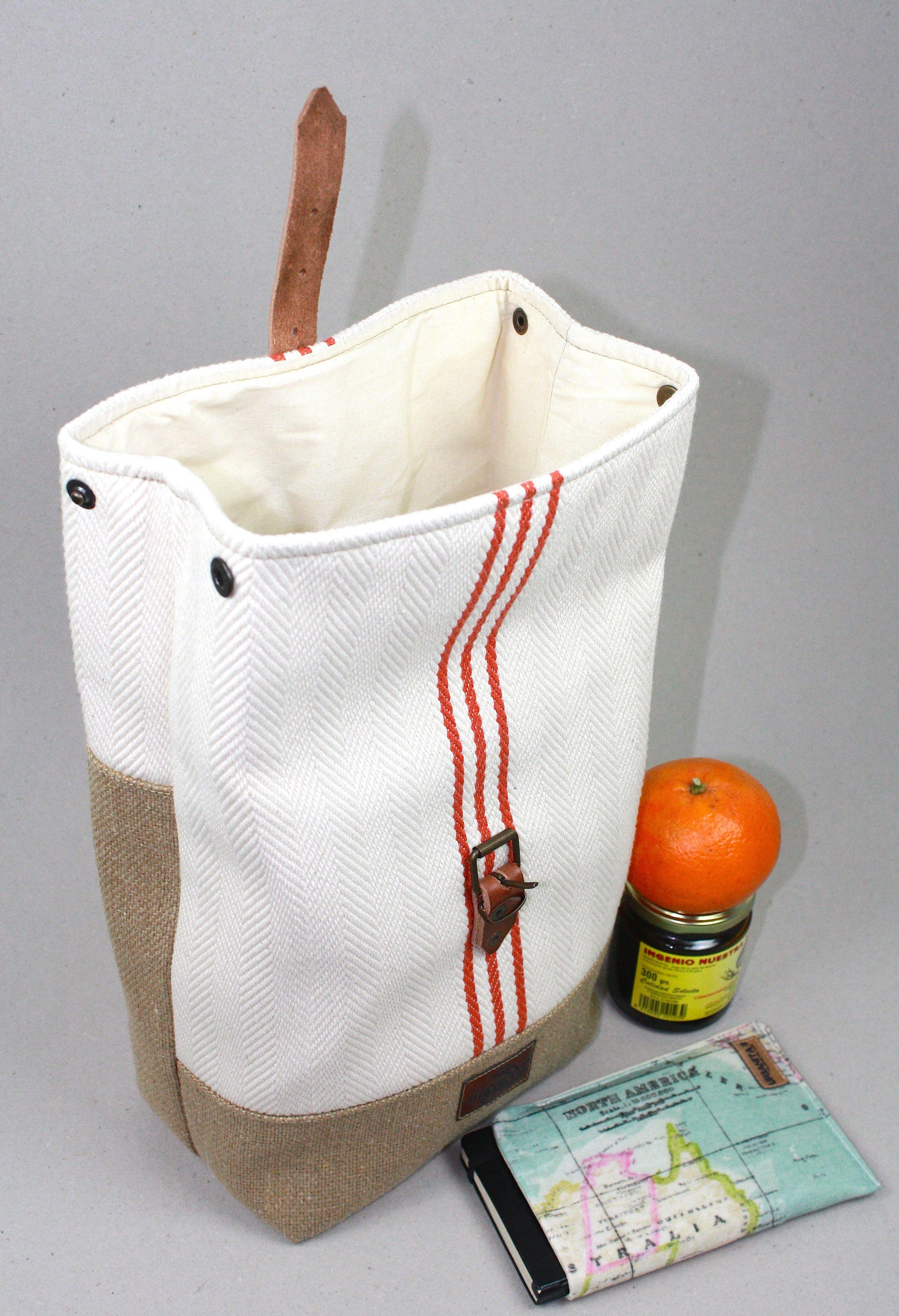 Lunch bags lunch bag tote lunch bag waxed canvas bolsa de explora artculos nicos de urbanitas en etsy un mercado global de productos hechos a mano vintage y creativos gumiabroncs Images