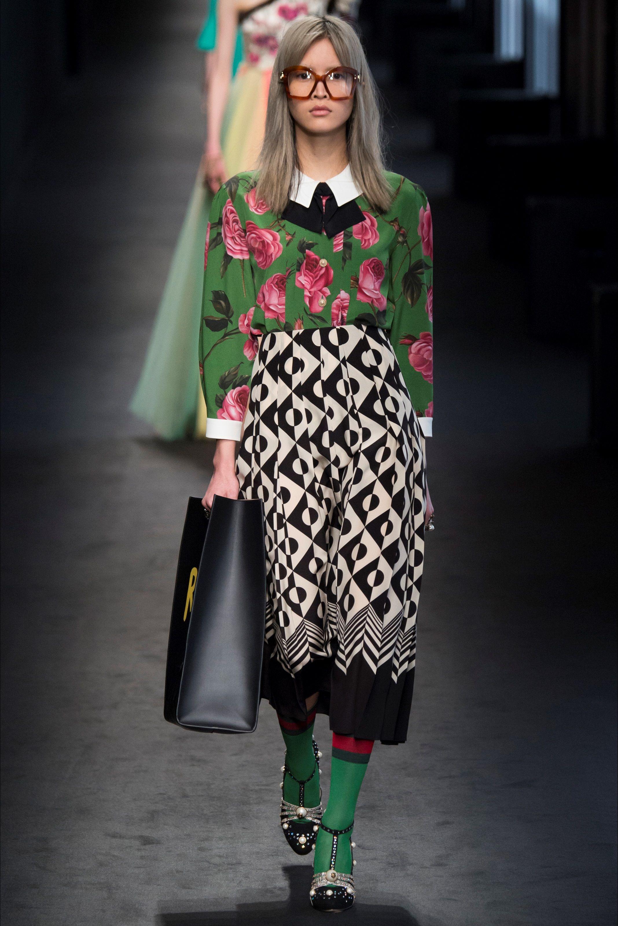 Sfilata Gucci Milano - Collezioni Autunno Inverno 2016-17 - Vogue ... cafad7000ef