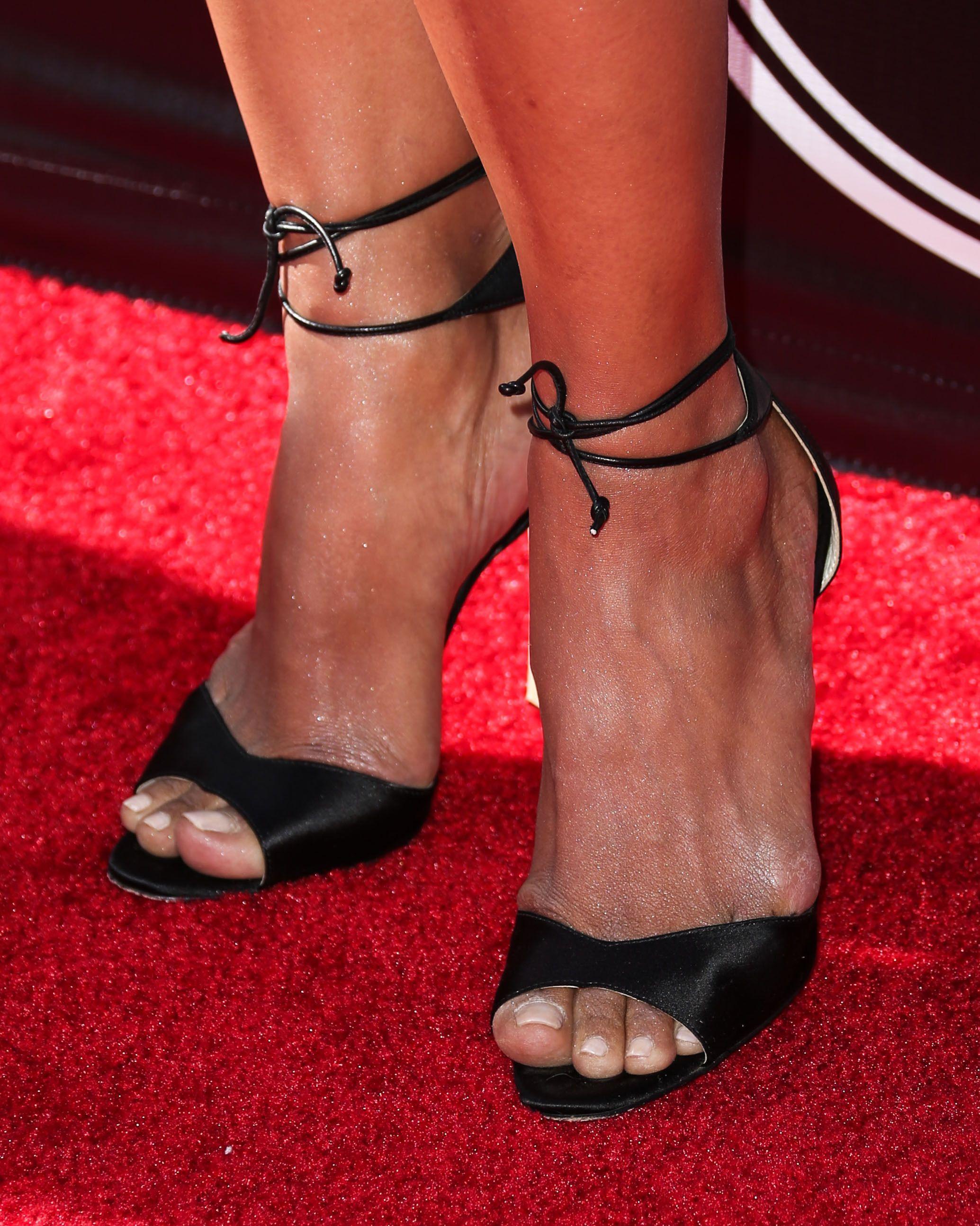 halle berry nude feet