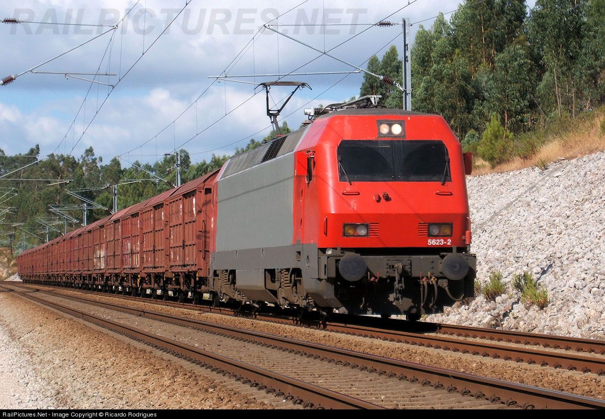 RailPicturesNet Photo CP Camboios de Portugal CP at