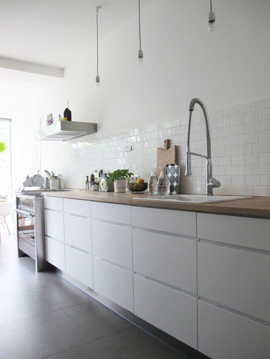 Die Küche von Ricarda u2013 23qm Stil White kitchen \/\/ Weiße Küchen - küche ohne oberschränke