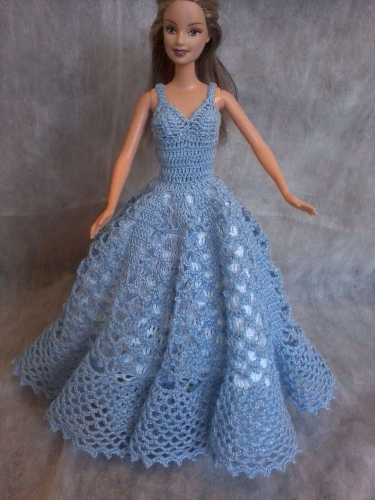UM MIMO EM CROCHE | Barbie clothes | Pinterest | Barbie, Puppen und ...