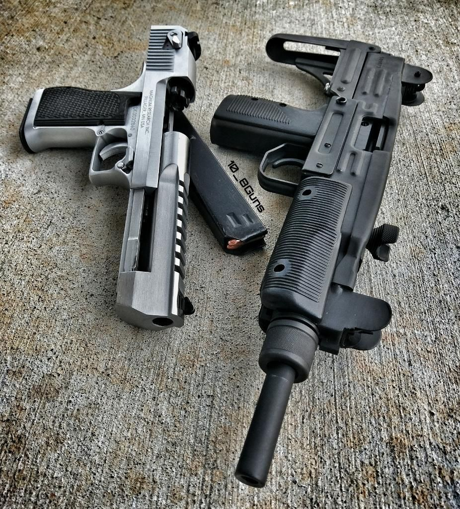 Israeli made IMI Uzi and Desert Eagle, the go-to for any