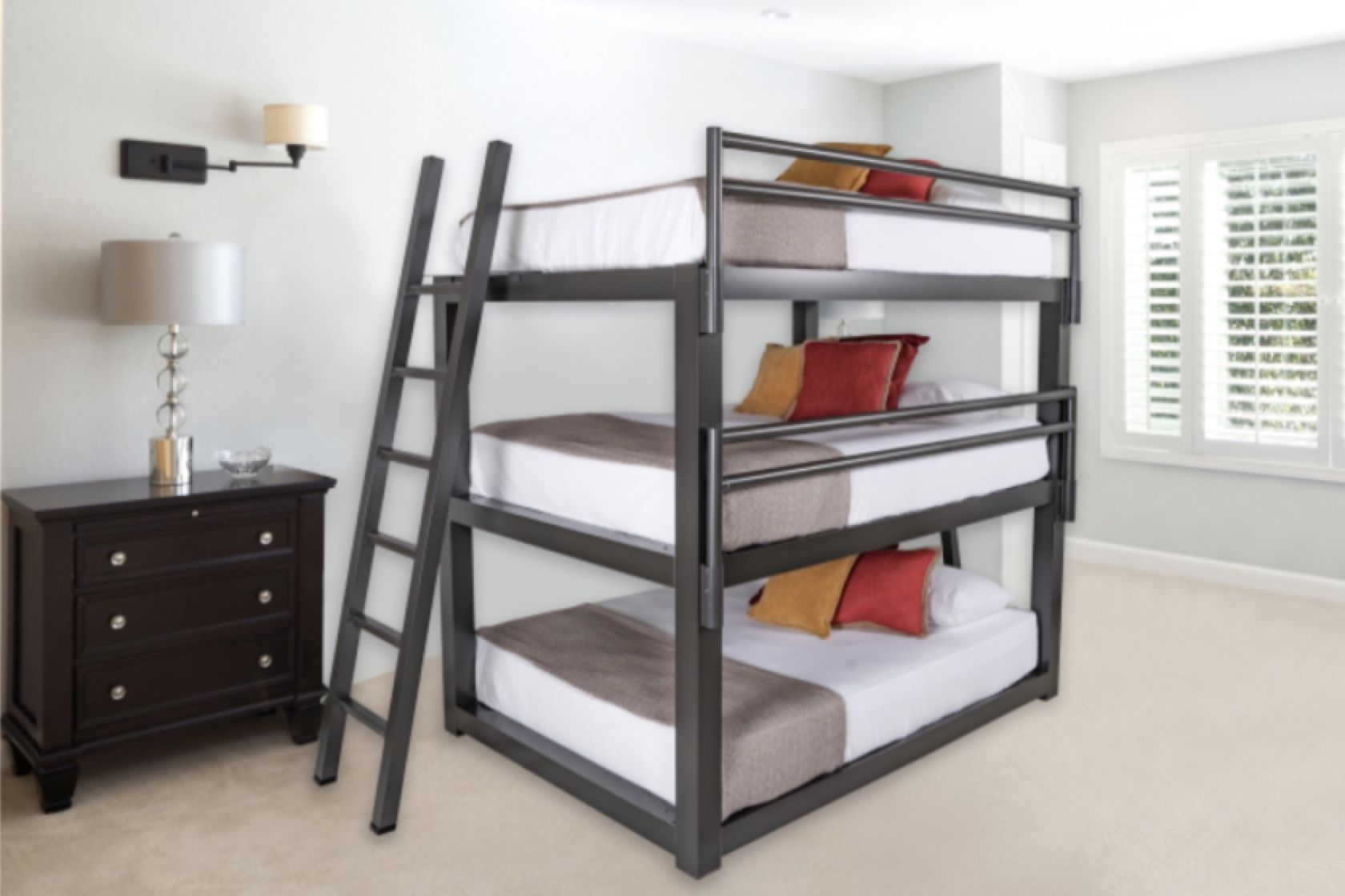 Wow your guests with the adult triple bunk bed. Incredibly