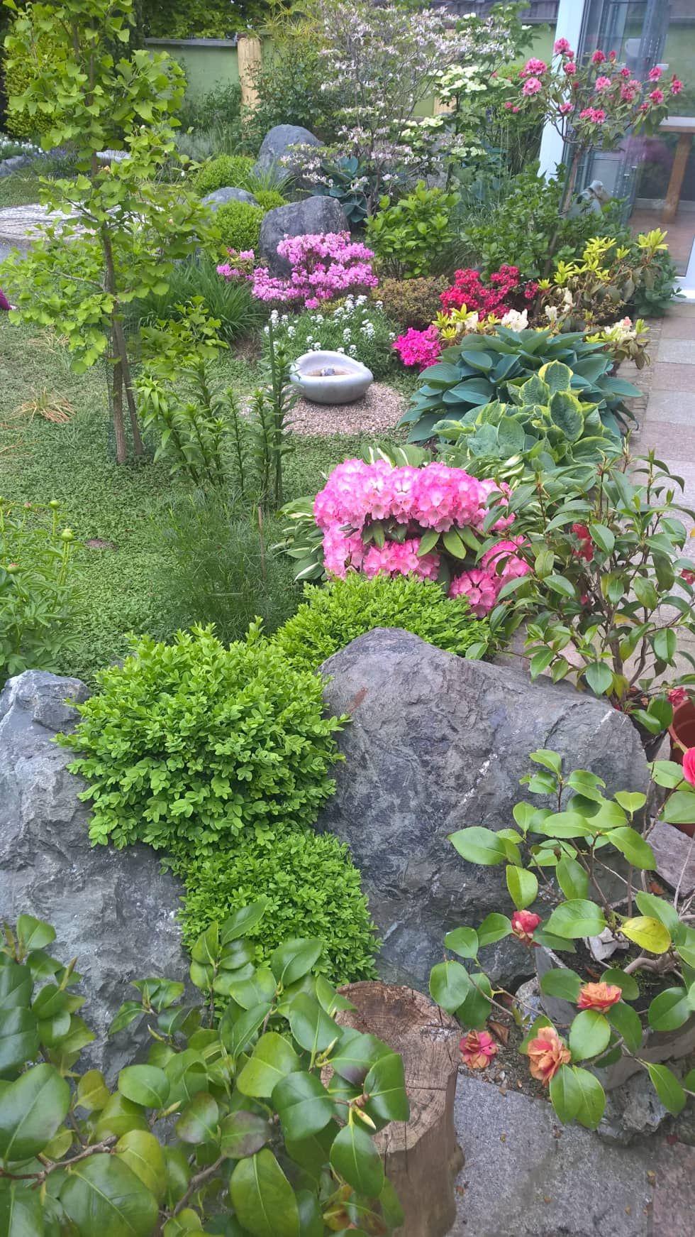 Pflanzung Und Mosaike: Ausgefallener Garten Von Neues Gartendesign By  Wentzel