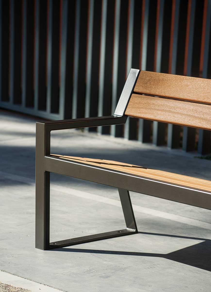 Table Bois Metal Exterieur berlin | mobilier extérieur diy, mobilier urbain, mobilier