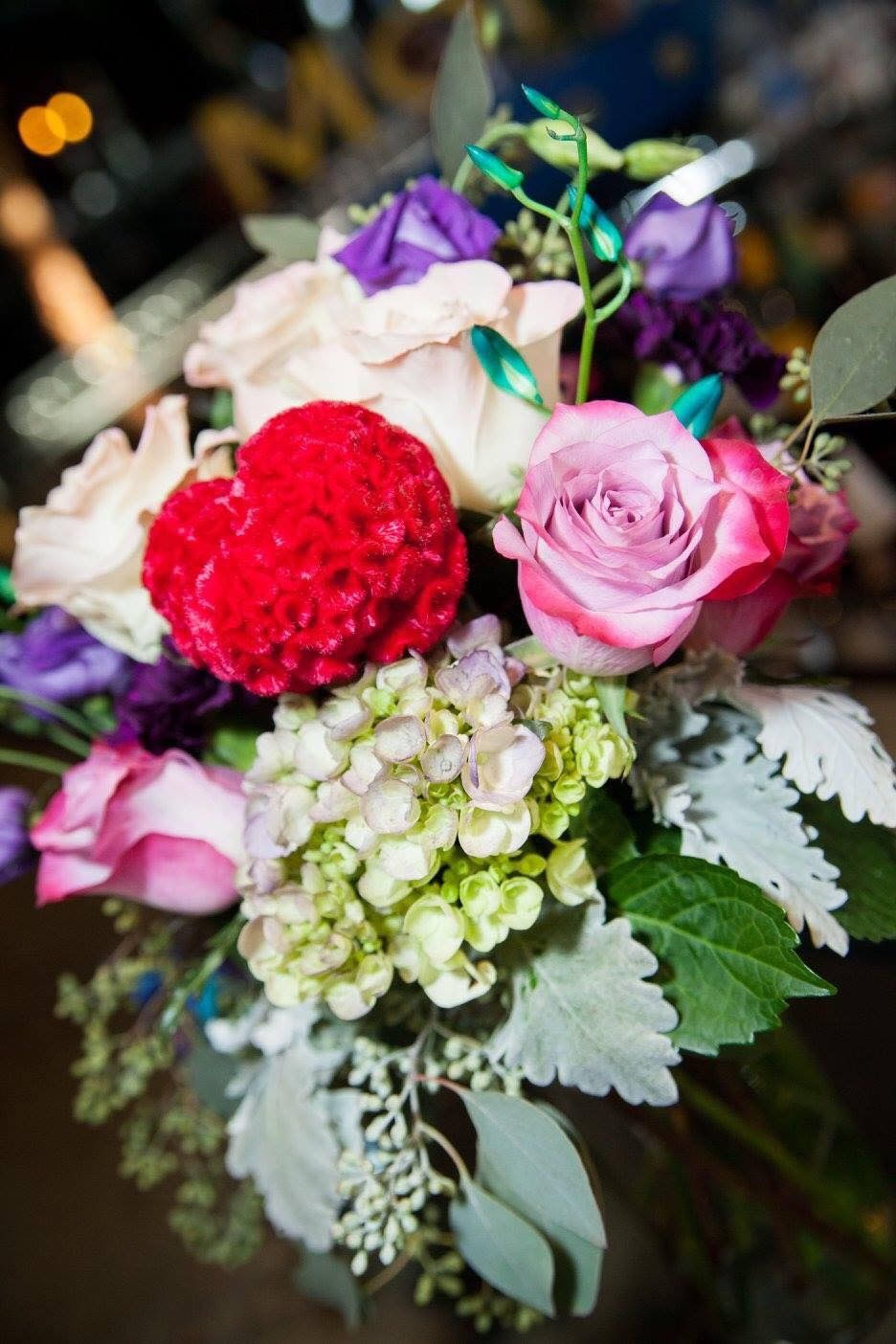 A Vibrant Wedding Bouquet Send Flowers Online Flower Delivery Same Day Flower Delivery
