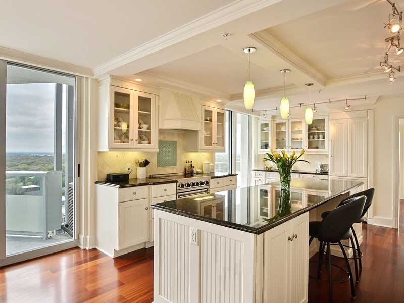 Stunning Kitchen Located In A Condo In Vero Beach. Great Inspo For Small Kitchen  Design Part 50