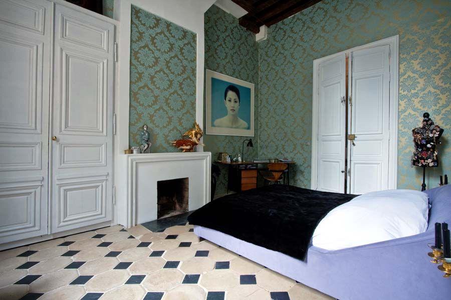 Een perfecte combinatie van modern design en Franse weelderigheid | roomed.nl