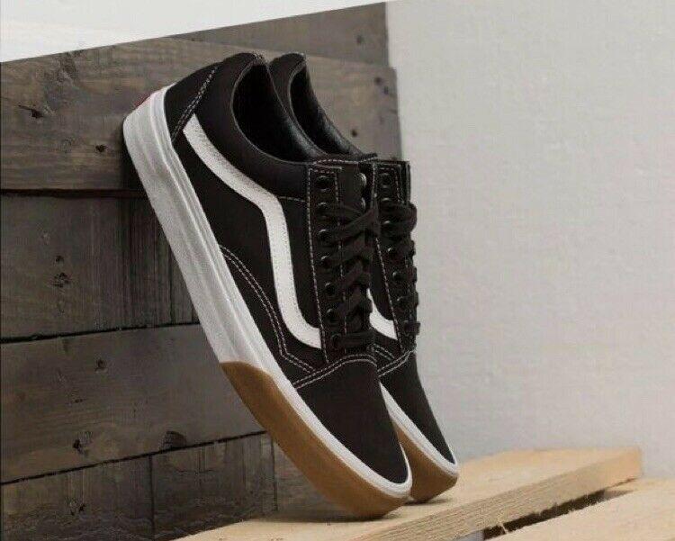 Vans Black (gum bumper) Old School lace up shoes Size 9