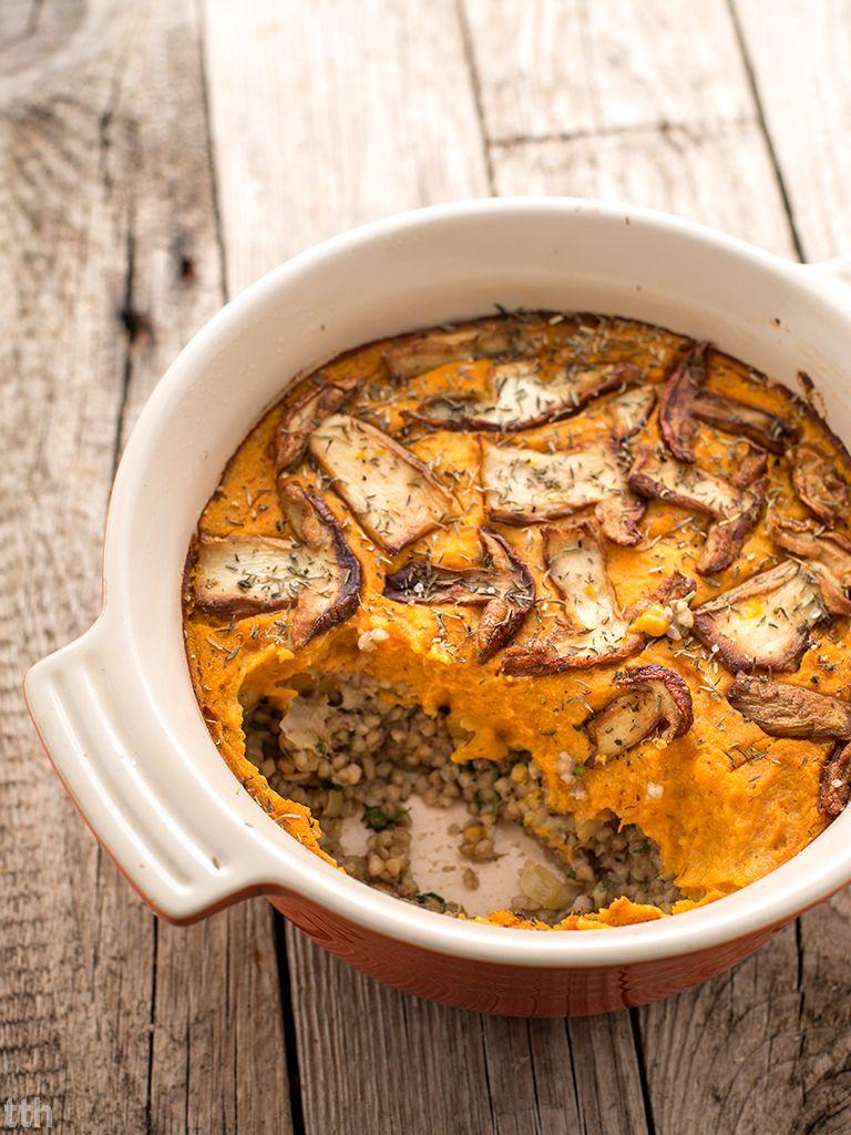 Kuchnia Weganska Zapiekana Kasza Gryczana Z Grzybami Pod Dyniowa Pierzynka Weganska Bezglutenowa Helthy Food Buckwheat Recipes Food