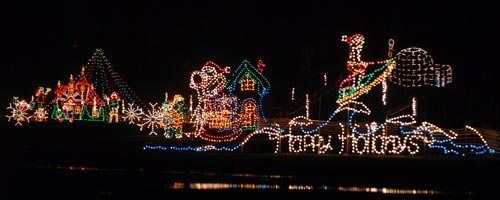 8 Stunning Showstoppers For Holiday Lights Holiday Lights Display Holiday Lights Christmas Light Displays