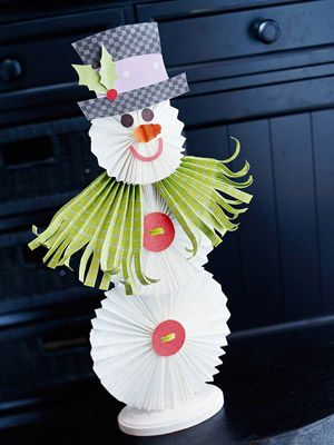 Make a Christmas Snowman from Fan-Folded Paper | Christmas snowman ...